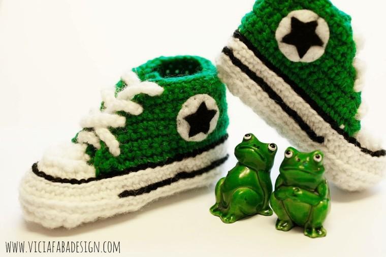 crochet baby converse